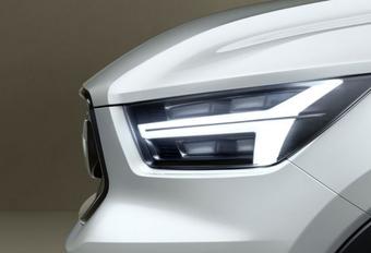 De nieuwe Volvo V40 geteaset #1