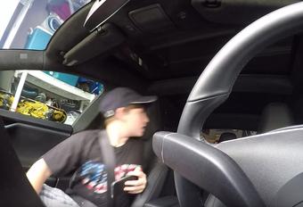 Il fait peur à son fils avec l'Autopilot de sa Tesla #1