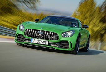 Mercedes-AMG GT-R : le monstre vert #1