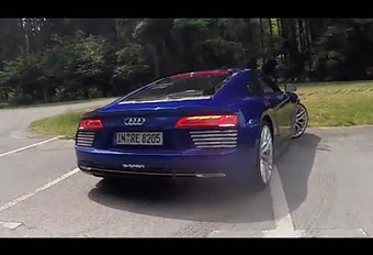 Audi R8 e-tron : piégée ! #1