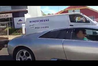 En Lamborghini Murcielago, il tire une remorque ! #1