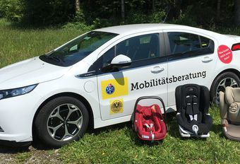 Weinig wagens geschikt voor drie autostoelen #1