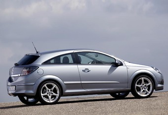 Opel Astra Hybride Diesel #1