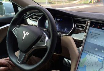 Tesla Autopilot-update: radars schieten te hulp #1
