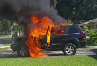 Smartphone zet Jeep in vuur en vlam #1