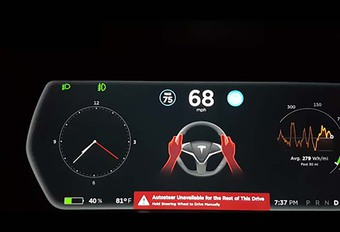 VIDEO – L'update 8 de Tesla et le nouvel Autopilot #1