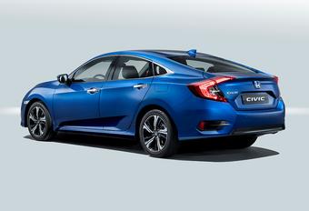 Honda Civic ook als elegante Sedan naar Europa #1