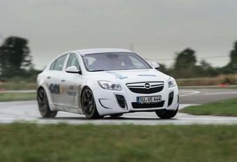 Opel Insignia OPC : Avec la technologie de la Ford Focus RS #1