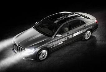 Mercedes Digital Light met 2 miljoen kleine spiegels #1