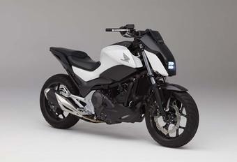 Honda : Voilà la moto qui ne tombe jamais ! #1