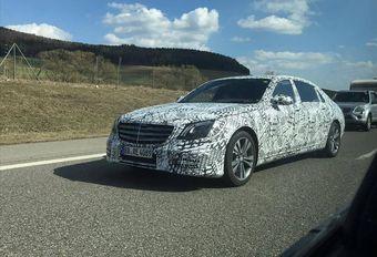 Mercedes Classe S restylée en route camouflée  #1