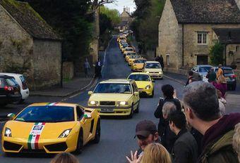 Optocht van gele auto's als antwoord op vandalisme #1