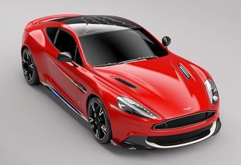 Aston Martin Vanquish S Red Arrows: luchtacrobatie #1