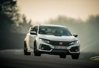 VIDEO - Honda Civic Type R breekt Nürburgring-record #1