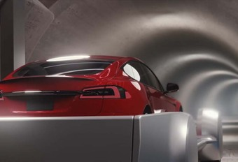 VIDEO - Tesla: auto's in de metro #1