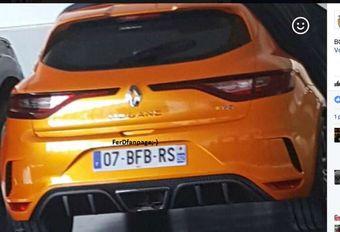 Renault Mégane R.S. laat achterkant zien #1