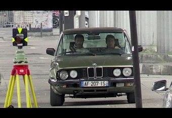 Tom Cruise rijdt een BMW 5-Reeks E28 in de prak #1