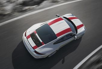Porsche zet eigenaars 911R voor schut #1