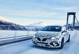 Renault Mégane R.S. in de sneeuw #1