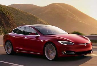 Tesla : les ceintures du Model S sous enquête #1