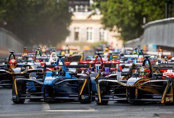 Mercedes en Porsche in Formula E #1