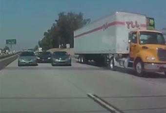 BIJZONDER – Slachtoffer van straatracers eindigt onder vrachtwagen #1