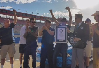 Record: 'geknutselde' elektrische auto rijdt 1.600 kilometer #1