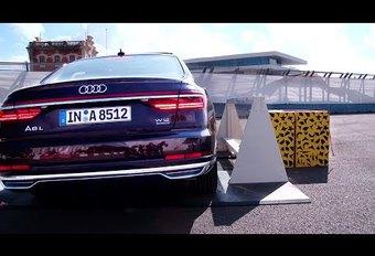 Audi A8 Pre Sense Side veert op om passagiers te beschermen #1