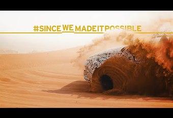 VIDEO – Lamborghini Urus speelt in het zand #1