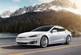 Tesla Model S stoot 226 g CO2/km in de Midwest #1
