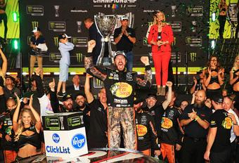 Nieuwe kampioen en veel tranen in NASCAR-finale #1