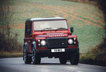 Land Rover Defender Works V8: 150 exemplaren #1