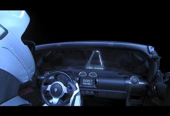 La Tesla Roadster est arrivée dans l'espace #1