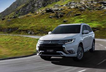 GimsSwiss – Mitsubishi Outlander PHEV: update in Genève #1