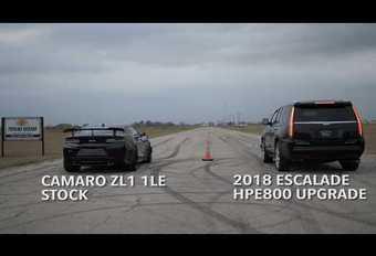 Un Cadillac Escalade se frotte à une Camaro ZL1 LE #1