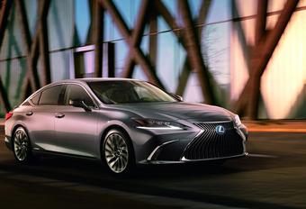 Nieuwe Lexus ES komt naar Europa #1