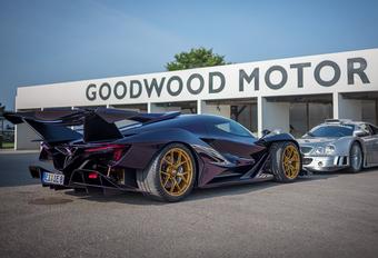 Wat hebben deze twee supersportwagens met elkaar gemeen? #1