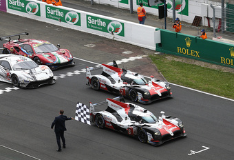 Toyota van Alonso wint de 24 Uur van Le Mans #1