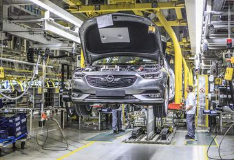 Opel verlaagt ritme in zijn fabrieken #1