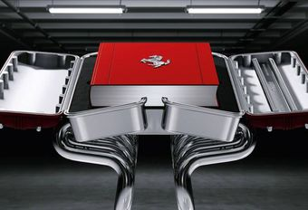 Un écrin en V12 pour un livre hors de prix sur Ferrari #1
