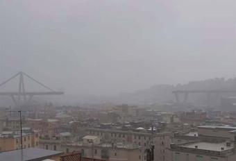 NIEUWSFLITS - Instorting van een viaduct nabij Genua, 22 doden en 5 zwaargewonden