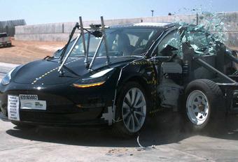 Tesla Model 3 : la voiture la plus sûre #1