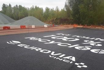 Gerecycleerde asfaltweg in Frankrijk #1