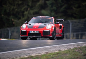 Half Ringrecord voor de Porsche GT2 RS MR #1