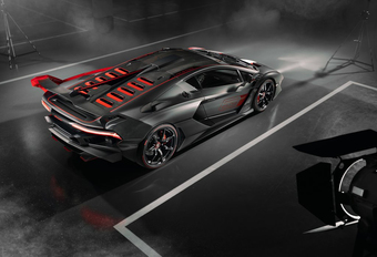 SC18 is Aventador SVJ van Lamborghini Squadra Corse #1
