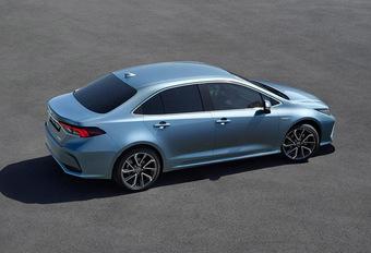 Toyota Corolla: nu ook als berline #1