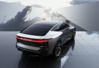 Nissan IMs Sports Sedan Concept is eens geen SUV #1