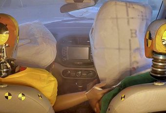 Hyundai en Kia presenteren de multicollision-airbag #1