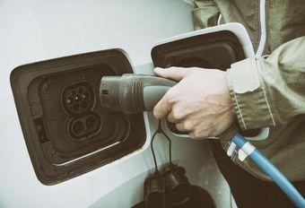 'Belgen willen niet overstappen naar elektrische wagens' #1