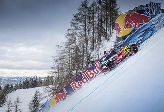 INSOLITE – Audi e-tron : il grimpe une piste de ski #1